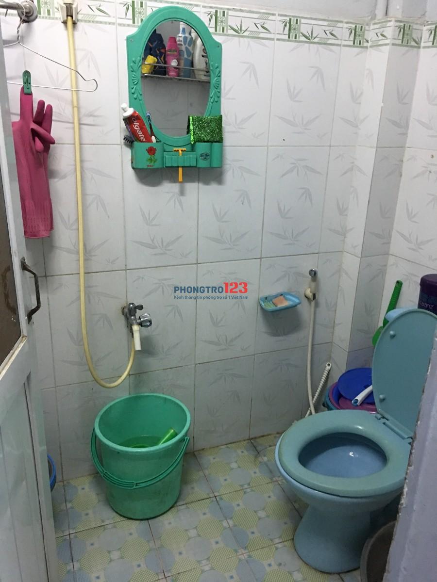 Cho nữ thuê nguyên tầng gác lửng, trong nhà nguyên căn.
