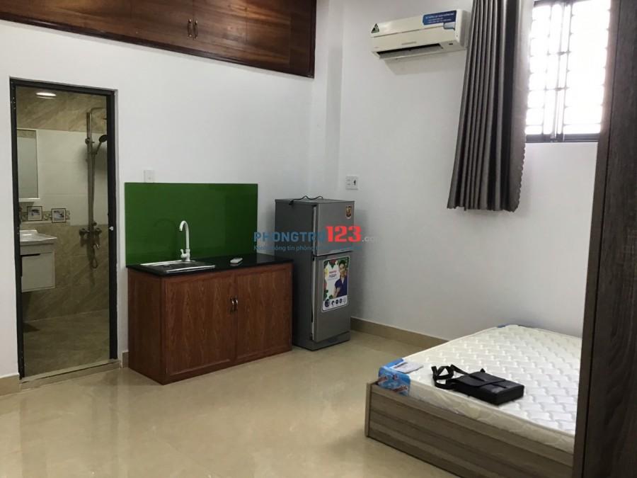 Phòng 35 m2 ngày Bắc Hải nối dài, Gần ĐH Bách Khoa, Full nội thất, Giá cực ưu đãi. Q10