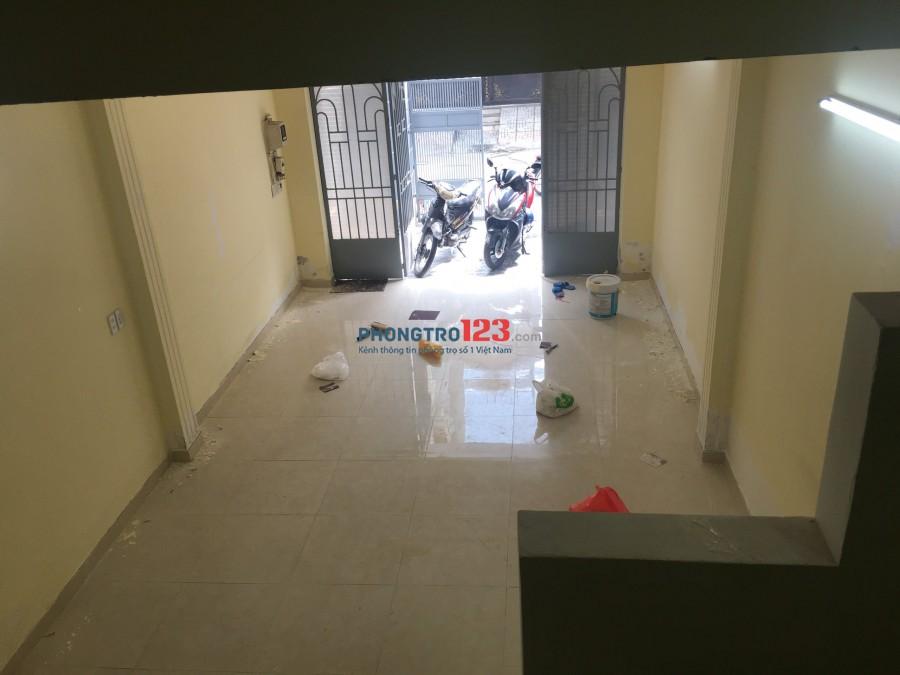 Cho thuê nhà Dương Quảng Hàm, P.5, Gò Vấp, 4PN 3WC, 14tr/th