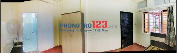Phòng thoáng mát, sạch sẽ khu vực Phú Nhuận