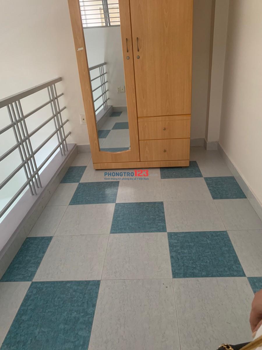 Cho thuê nhà hẻm nguyên căn 3,5x12 Có 3 tầng 4pn tại Đường Nhật Tảo Q10 gần chợ Nhật Tảo