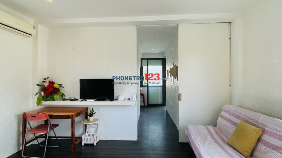 Còn trống chỉ 1 phòng nằm ở tầng 3 cần cho thuê giá tốt hỗ trợ mùa dịch - Quận 1