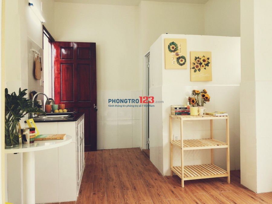 Phòng nội thất Q3 mới xây giá rẻ !!!