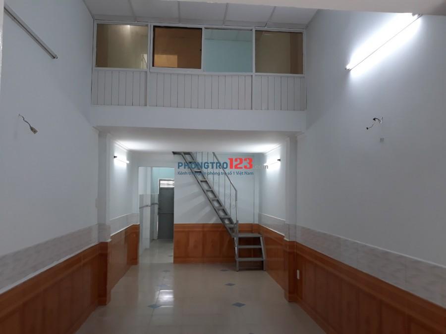 Cho thuê nhà nguyên căn 2 mặt tiền hẻm DTSD 78m2 2pn tại Đông Hưng Thuận 2 P ĐHT Q12