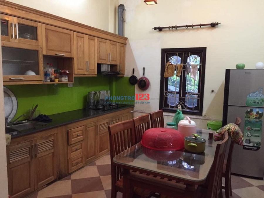 Cho thuê nhà nguyên căn tại Bồ Đề - Long Biên. Giá thương lượng thêm khi xem nhà
