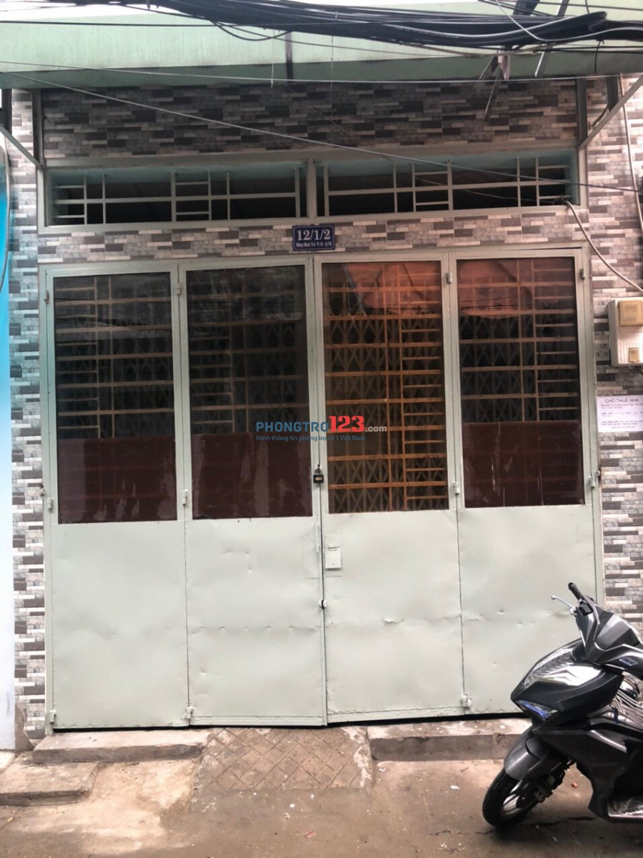 Cho thuê nhà nguyên căn 4x12 1 trệt 1 lầu sân thượng ở 12/1 Đặng Minh Trứ P10 Tân Bình