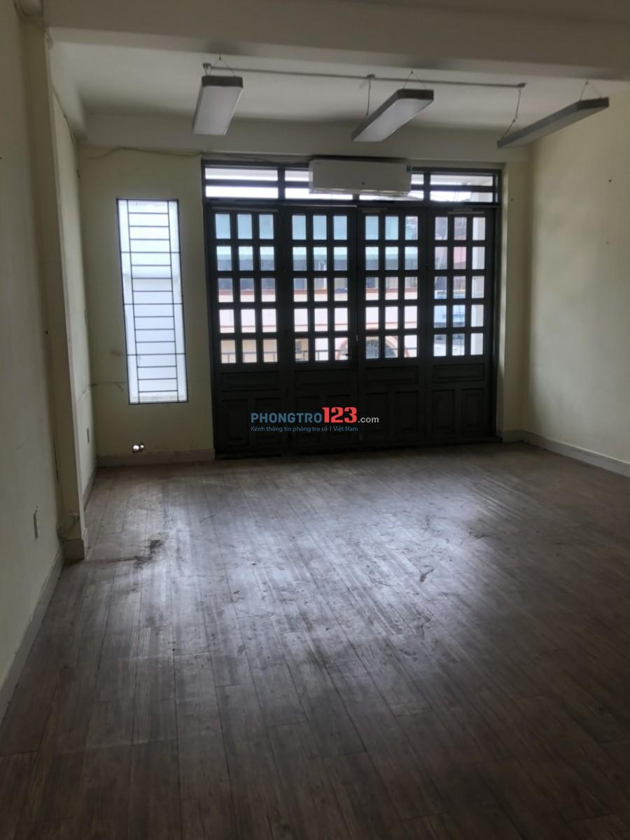 Cho thuê nhà nguyên căn 1 trệt 3 lầu 7pn mặt tiền 25 Nguyễn Minh Hoàng P12 Q Tân Bình