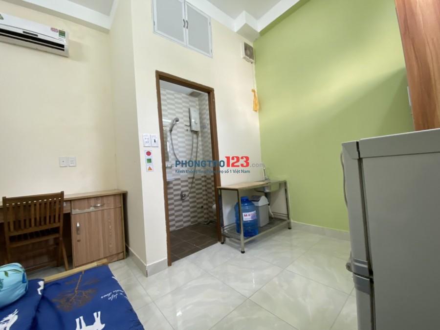 Phòng Cửa sổ, ngay Đối diện ĐH Bách Khoa, Nhà thi đấu Phú Thọ, Cư Xá Lữ Gia, Giá Ưu đãi chỉ 4.3tr