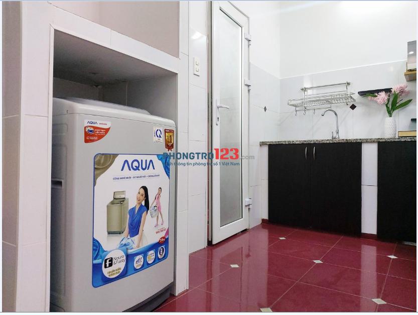 Căn hộ Ban Công 1PN máy giặt riêng gần ngay CV Hoàng Văn Thụ sát sân bay