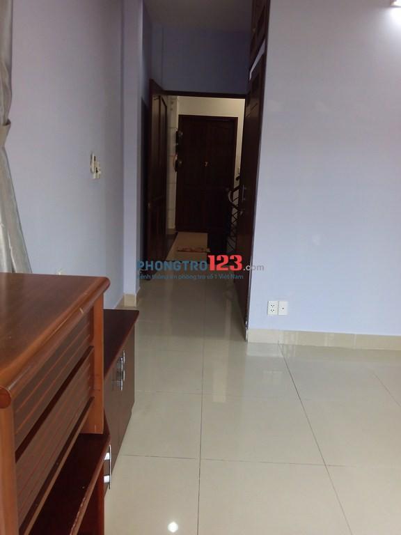 Phòng cao cấp biệt thự,gần ĐH Văn Lang,có ban công