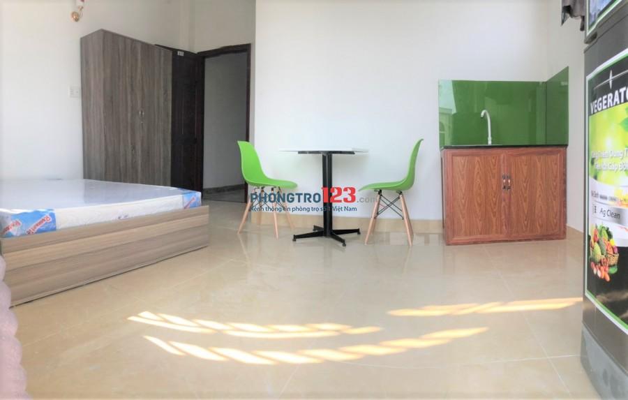Phòng Ban Công - 35m2, Full Nội thất, Ngay đh Bách Khoa Quận 10, Giá ưu đãi
