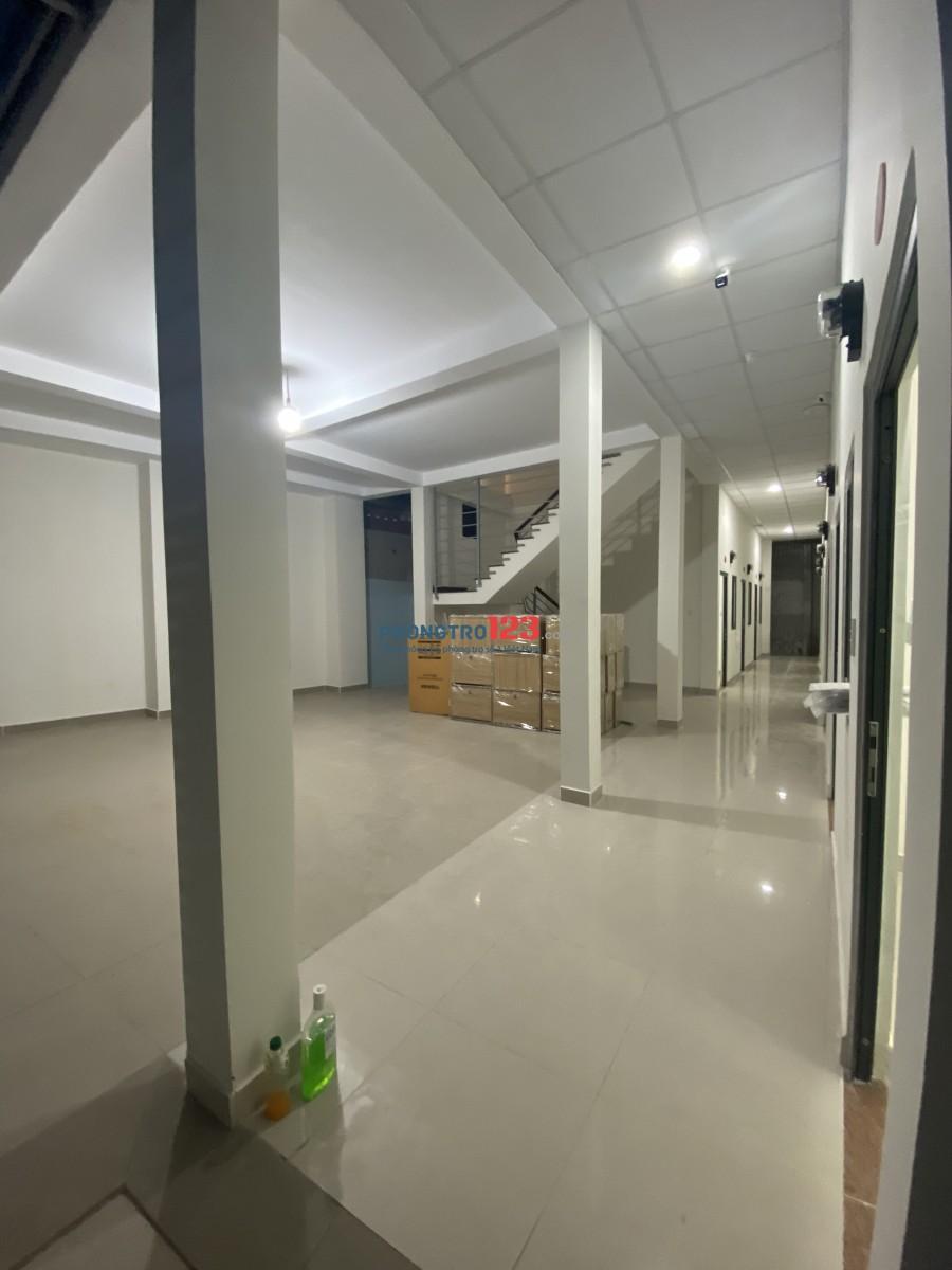 Phòng trọ mới tinh, trệt, có gác lửng, full nội thất giá 1,25tr Lê Văn Quới