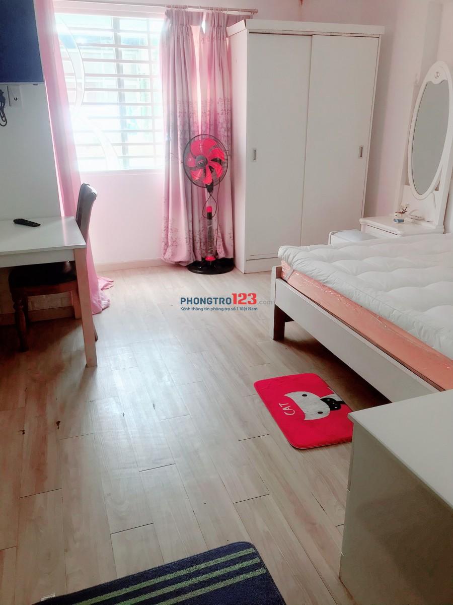 Cho thuê căn hộ full nội thất đường Lê Văn Sỹ, quận 3, 30m2