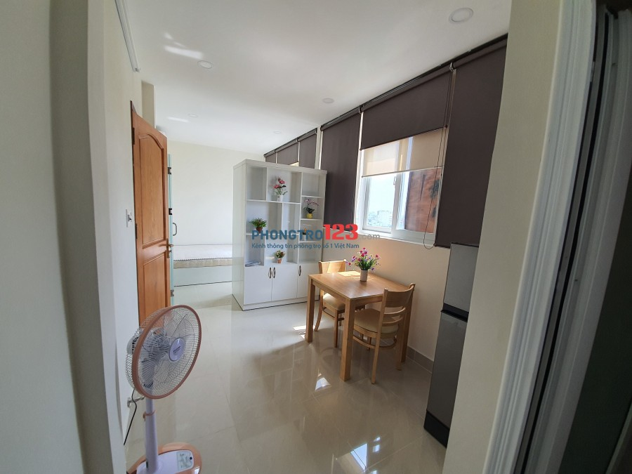Cho thuê CHDV 1PN, full nội thất Q7, view cao tầng, cửa sổ nhiều thoáng khí