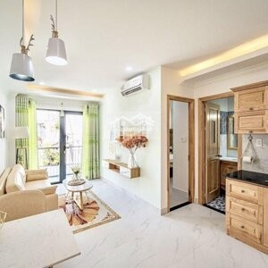 Cho thuê căn hộ 1PN, phòng khách, bếp, WC rộng 45m2 giá 10tr/th gần Bùi Viện, Quận 1