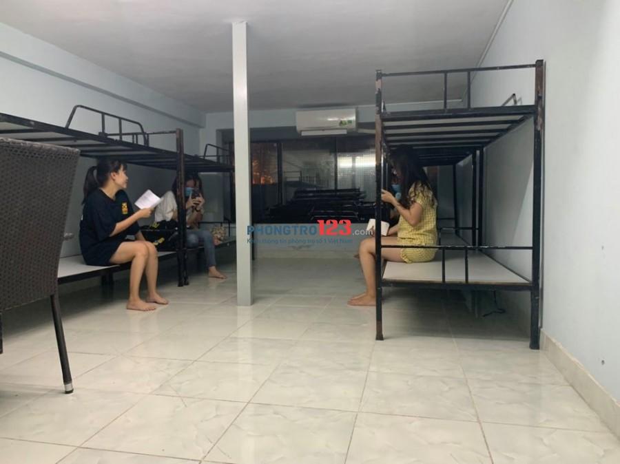 KTX sinh viên giá chuẩn gần CV Hoàng Văn Thụ 700k