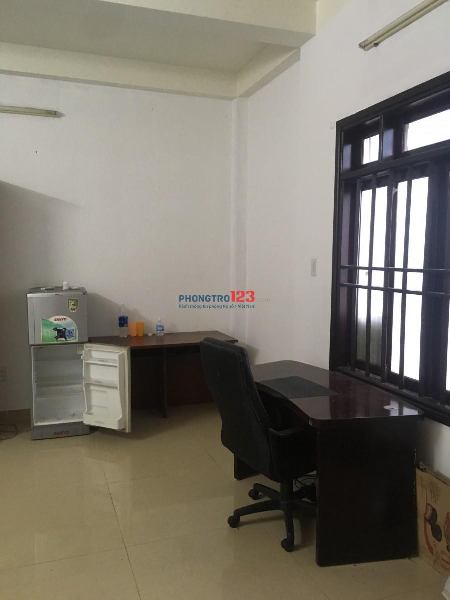 Cho thuê phòng tại Tân Bình cách sân bay 200m