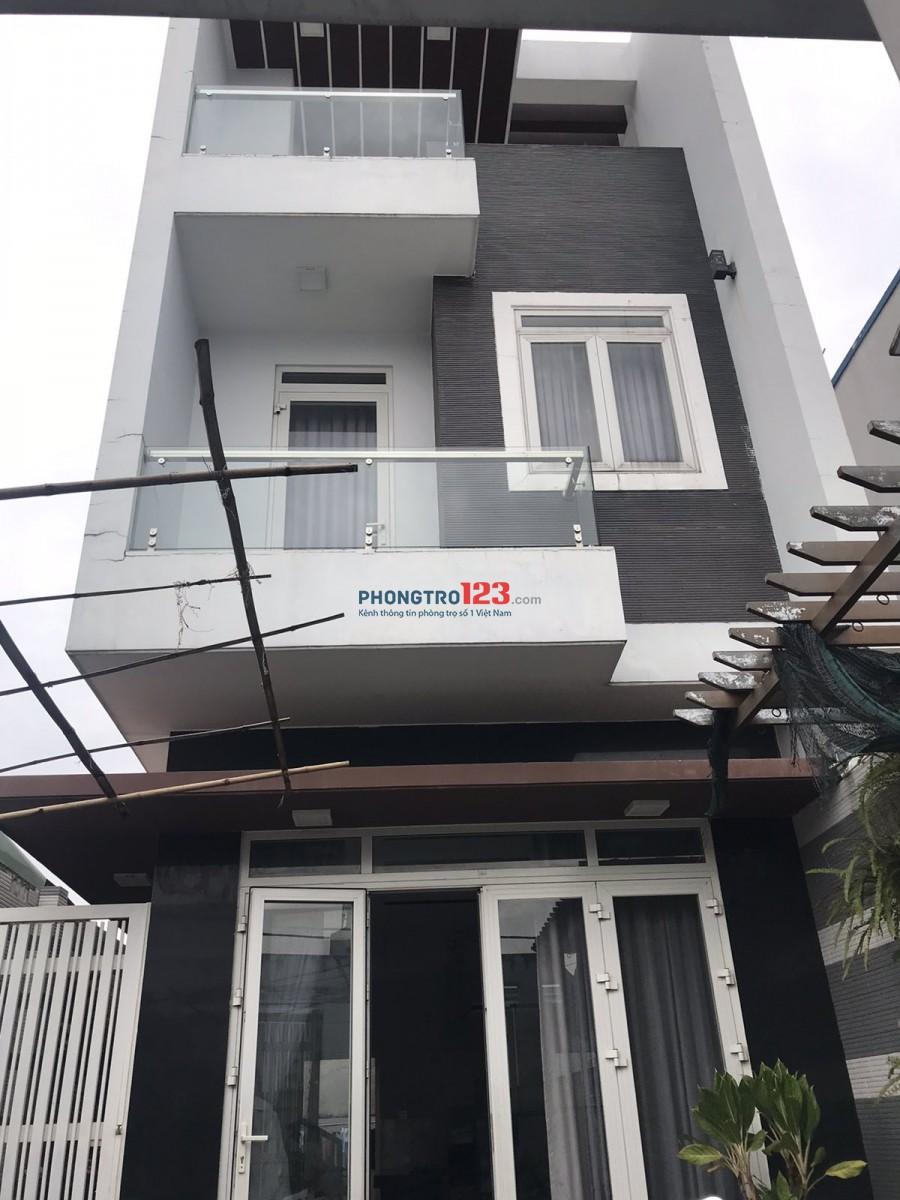 Chính chủ cho thuê nhà 1 trệt 2 lầu, 6x17m thiết kế không gian 2 mặt tiền thoáng đẹp, gần Vạn Phúc City