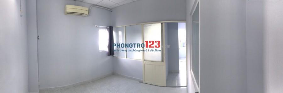 Cho thuê nhà nguyên căn 4x8 1 trệt 1 lầu tại hẻm 258 Trần Hưng Đạo Q1 giá 10tr/th