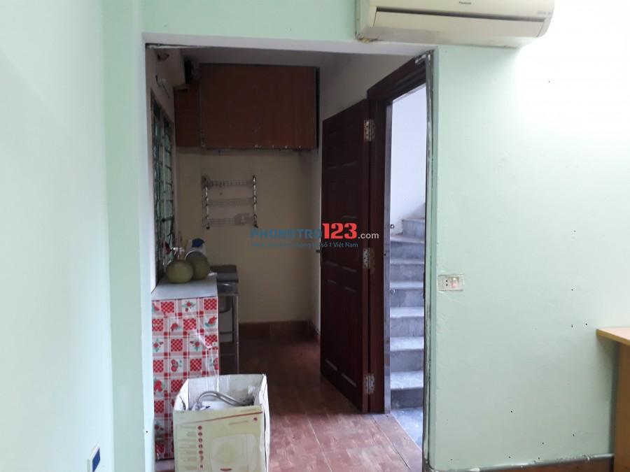 Cho thuê ccmn 38m2 tầng 2 ngõ 28/8 Đại Linh giá 2t5