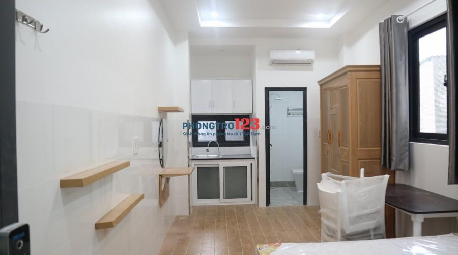 Căn hộ dịch vụ cho thuê giá rẻ, Gần ĐH Nguyễn Tất Thành quận 4, có cửa sổ, ban công