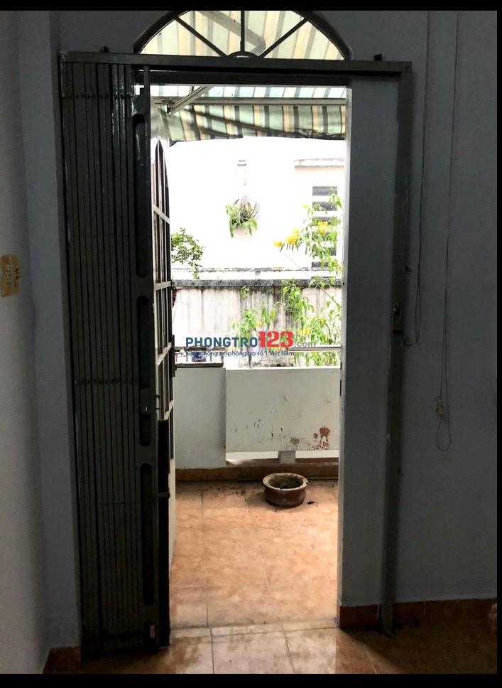 Cho thuê nhà nguyên căn 1 trệt 1 lầu 76m2 tại hẻm 82 Lý Chính Thắng Q3 giá 14tr/th