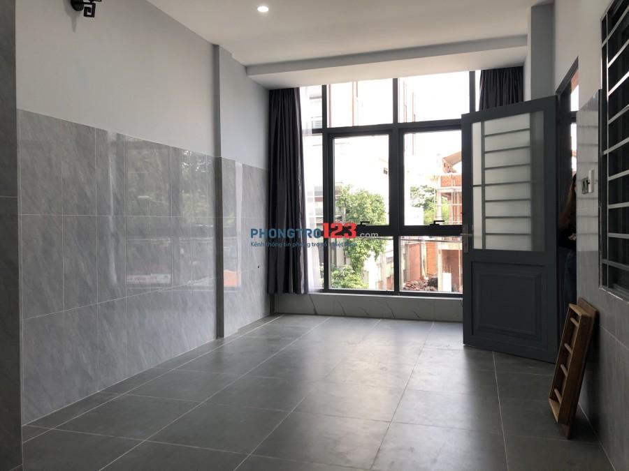 Phòng sẵn máy lạnh sau Gigamall Phạm Văn Đồng