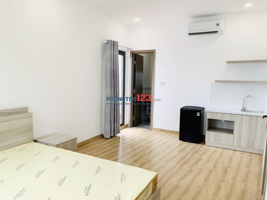 Cho thuê CHDV mới 100% full nội thất cao cấp cách Landmark81 5p