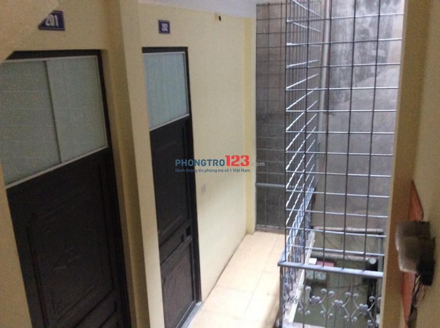 Phòng trọ 17-20 m2 tại phố Phương Mai - Đống Đa