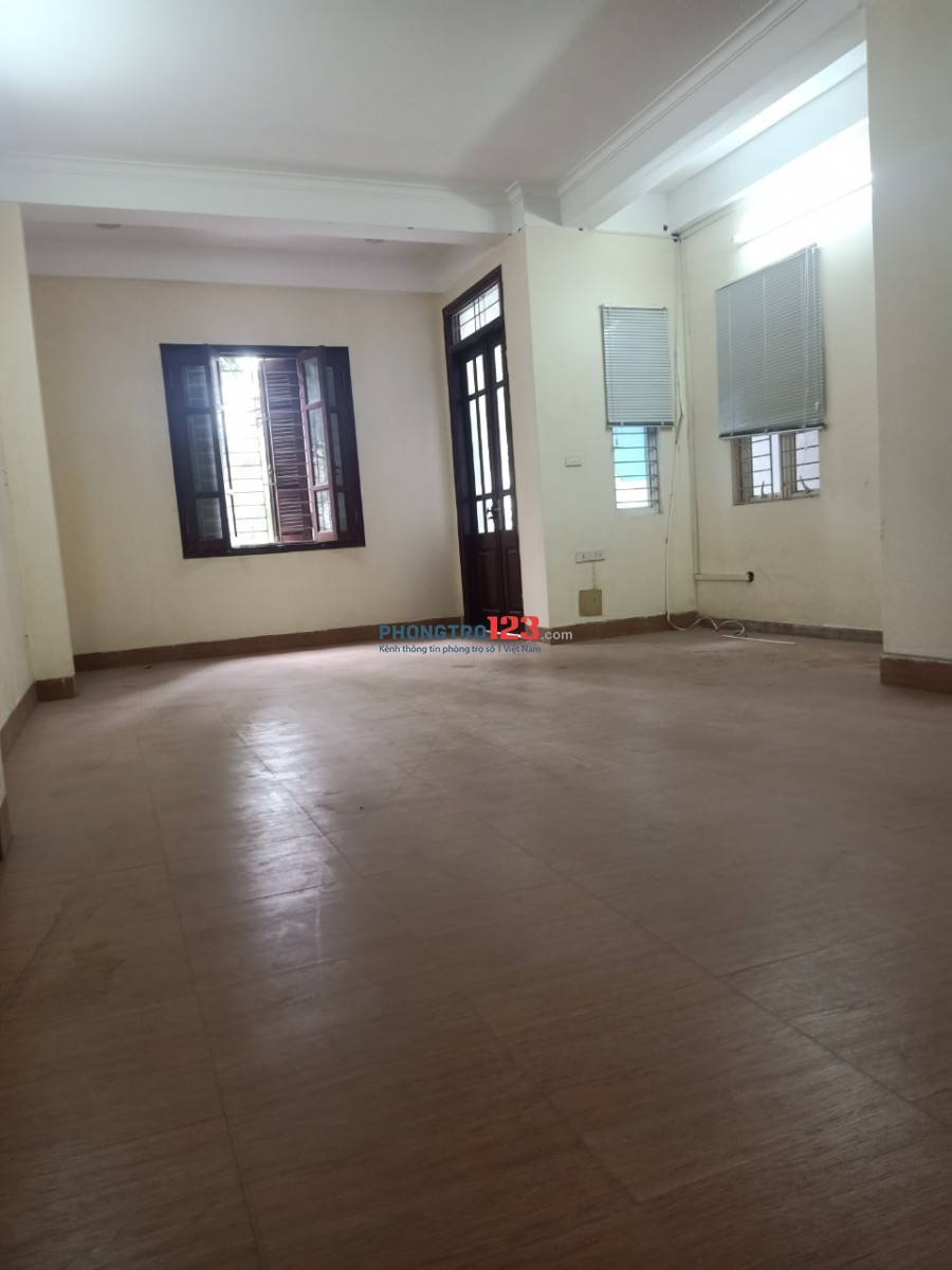 Chính chủ cho thuê văn phòng 20m2 - 45m2 đường Hồ Tùng Mậu - Cầu Giấy.