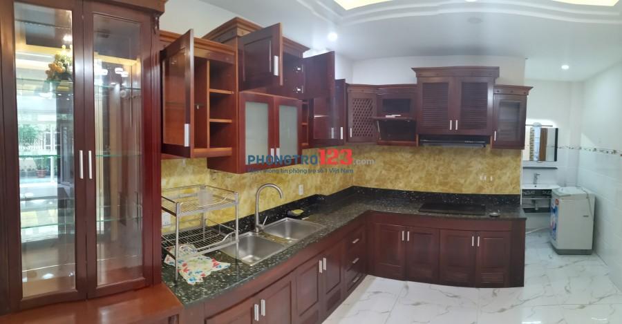 Nhà riêng dạng STUDIO rộng ~70m2 mặt tiền đường Hoàng Hoa Thám, Quận Phú Nhuận gần chợ Cây Quéo.
