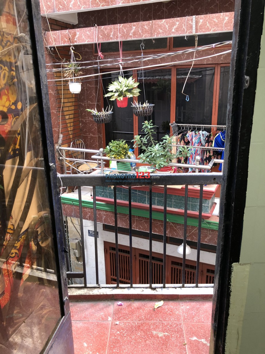 Phòng 25m2 ngay Lý Thường Kiệt - chợ Tân Bình, máy lạnh,1-3 người ở, giờ tự do 3,2tr/th