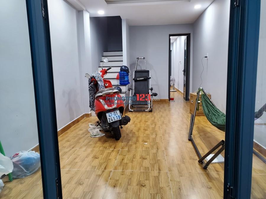 Cho thuê 2 phòng trọ mới tinh, sạch sẽ tại quận Phú Nhuận