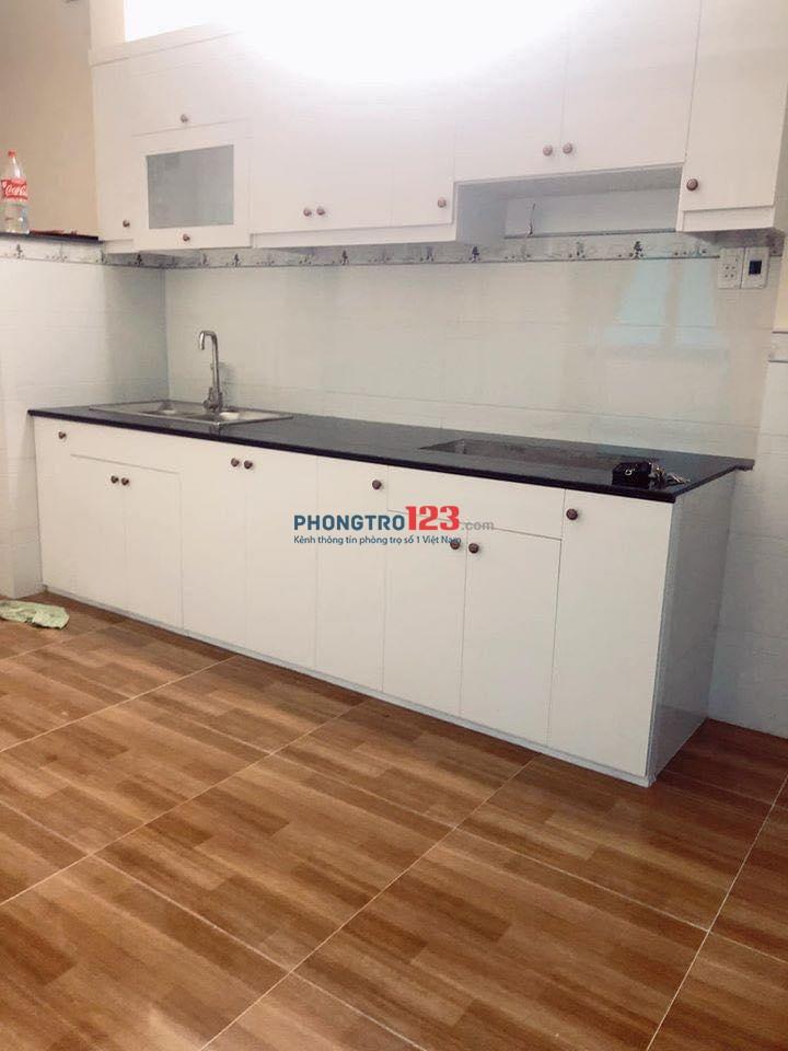 Phòng ban công full nội thất cho thuê trung tâm quận Phú Nhuận