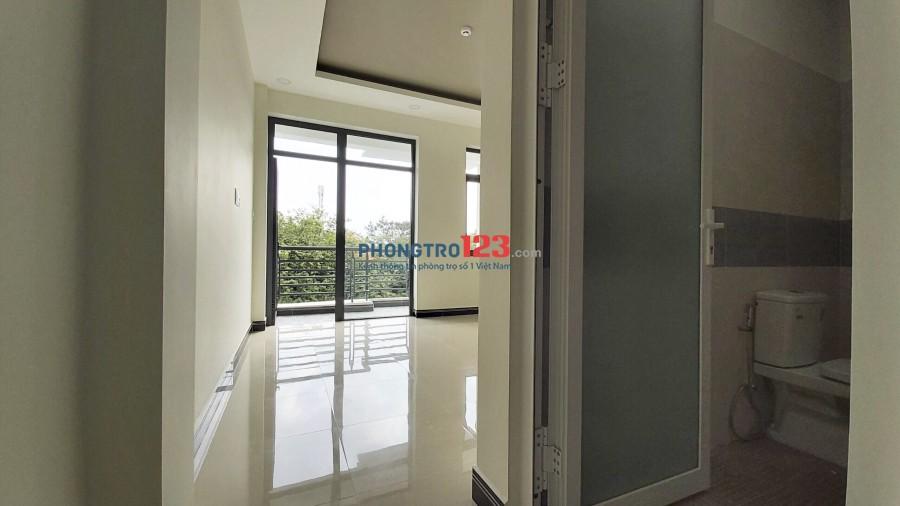 Cho thuê phòng trọ mới xây có ban công gần Vincom q9