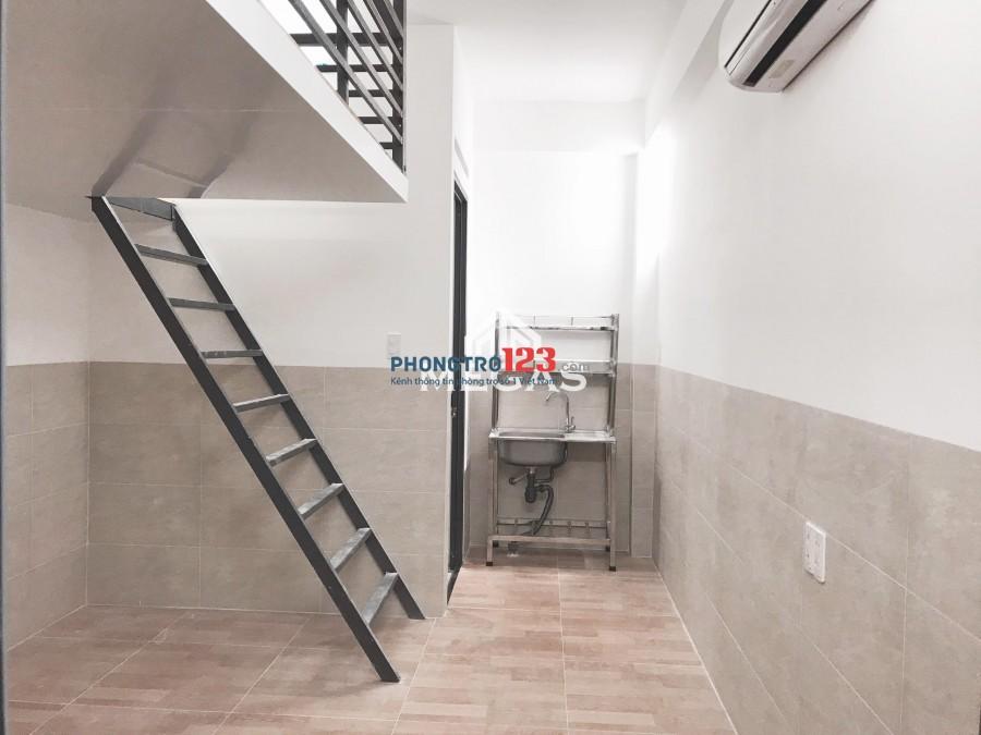Phòng mới xây 100% khai trương ngay Tô Hiệu -Hoà Bình Giá rẻ có thang máy thoáng mát