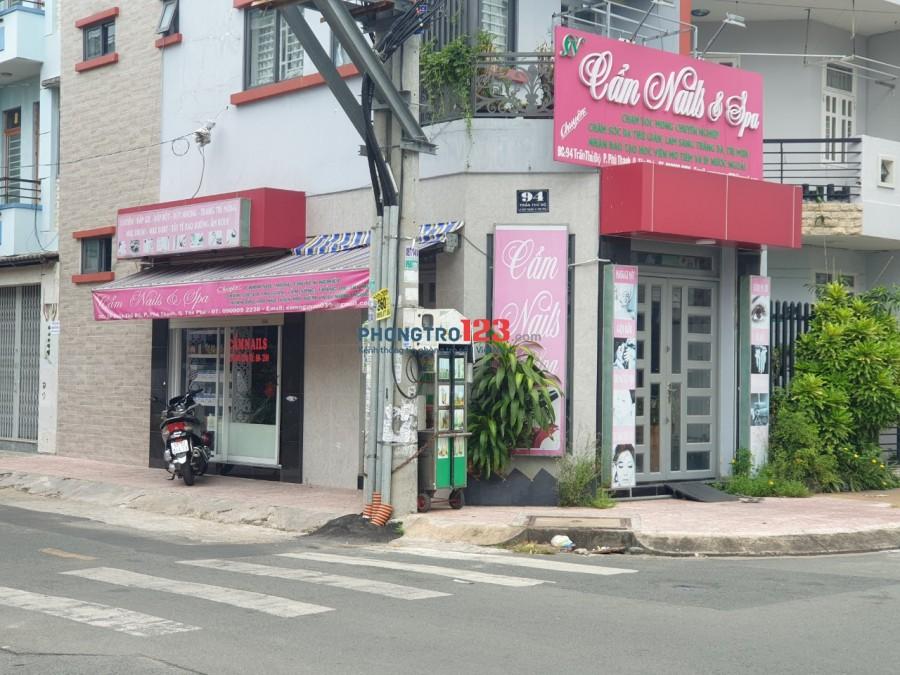 Sang tiệm Nail đầy đủ vật dụng nhà mặt tiền 94 Trần Thủ Độ P Phú Thạnh Q Tân Phú