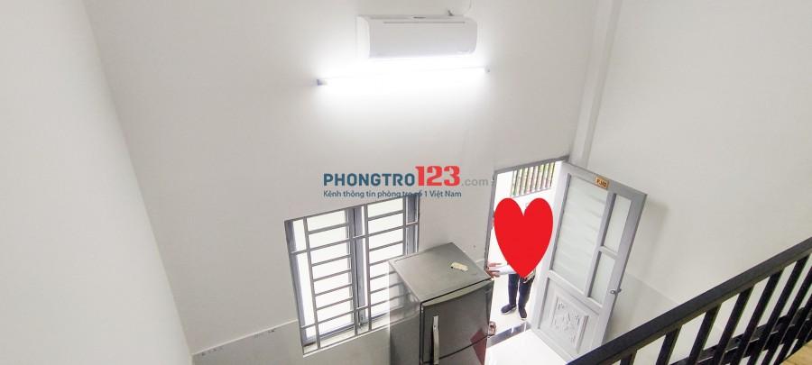 Phòng trọ ngay đại học Nguyễn tất Thành, full nội thất, y hình 100%