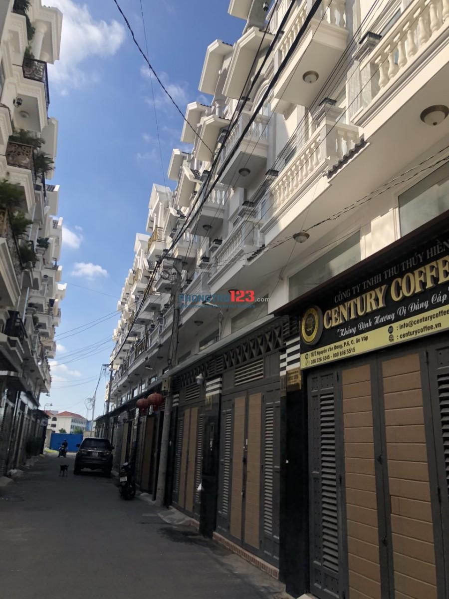 Cho thuê Or Bán nhà mới xây 5x10 có 4 lầu HXH tại 18/1 Nguyễn Văn Dung P6 GVấp