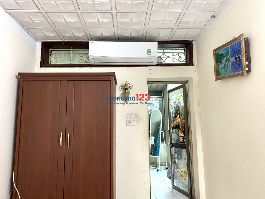 Cần tìm nữ ở ghép tại khu vực Kim Liên - Đống Đa. Phòng 3 ngủ, 1 vệ sinh, full nội thất. 0585272667