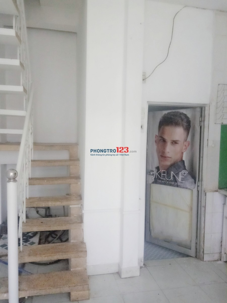 Cho thuê nhà nguyên căn có nội thất 4x11 1 trệt 1 lầu 90m2 tại CMT8 P10 Q3 giá chỉ 13tr/th