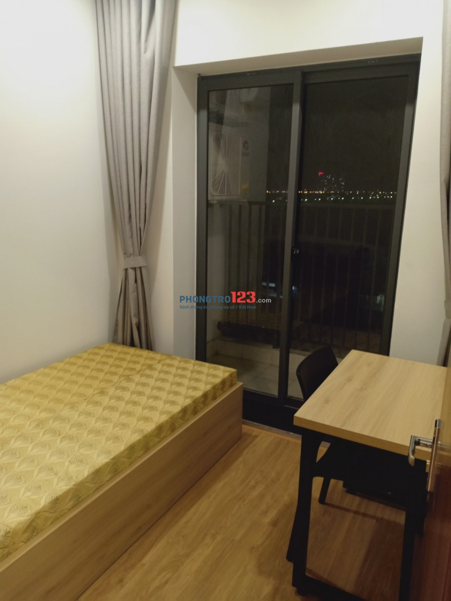 Tìm người ở ghép trong căn hộ chung cư cao cấp TSG Lotus Sài Đồng, Long Biên