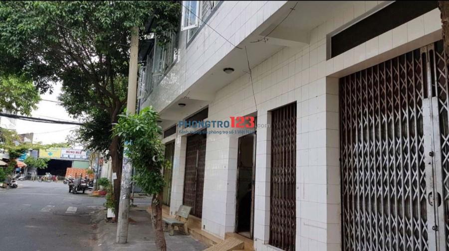 Chính chủ cho thuê mặt bằng ngay góc ngã 4 tại 52 Nguyễn Thái Học P Tân Thành TPhú