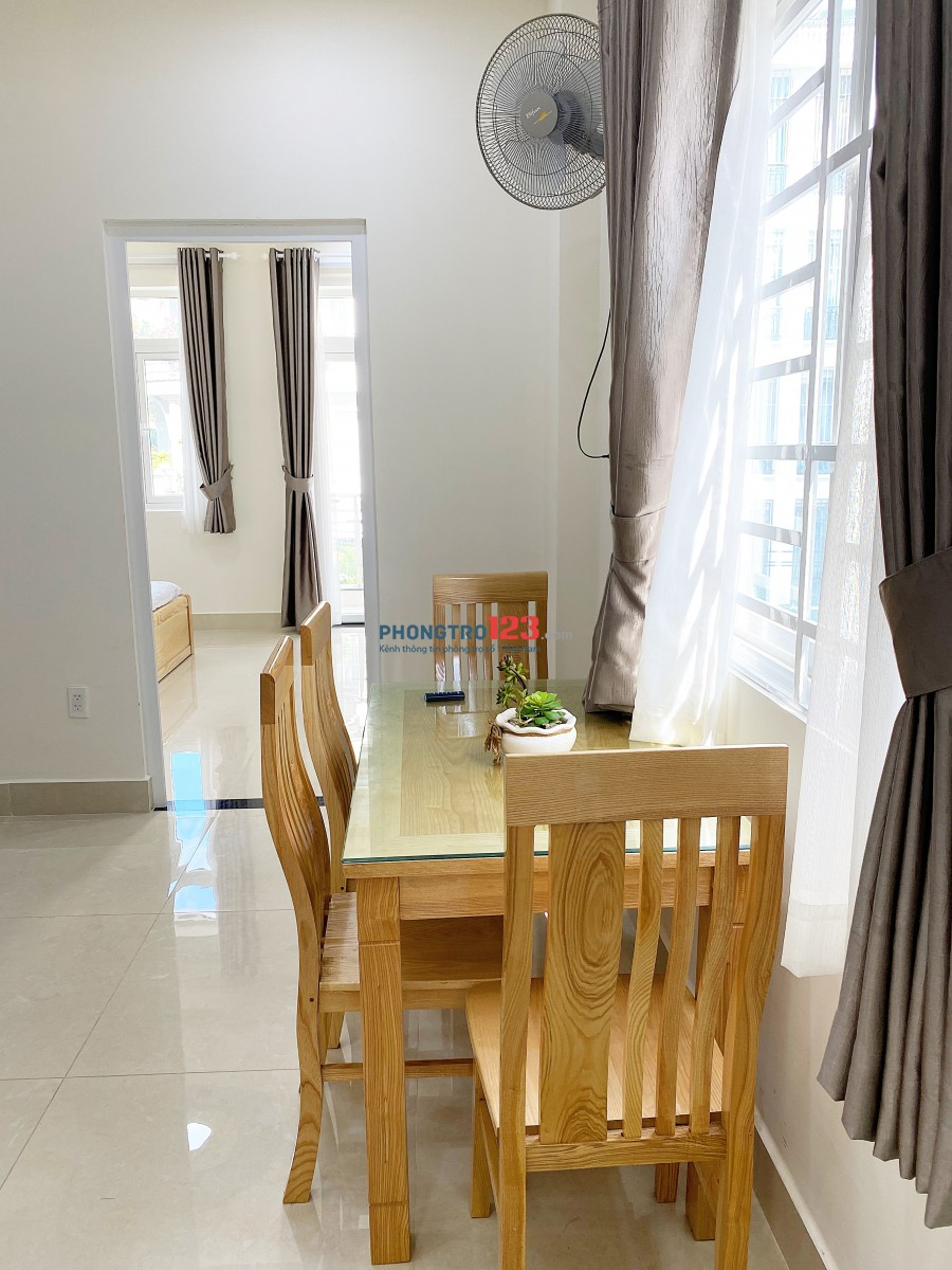 Căn hộ cao cấp 50 m2 full nội thất mới hoàn toàn ở Bạch Đằng, Tân Bình cách sân bay 500m