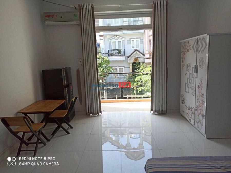 Share phòng cực rộng có ban công đẹp nhà nguyên căn Q7