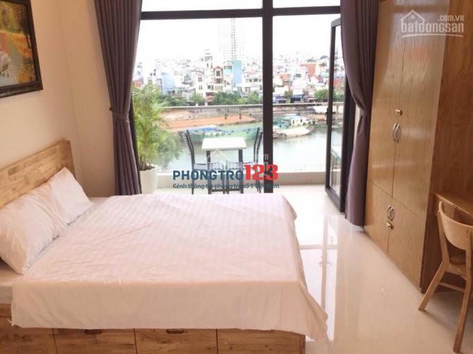 Cho thuê Căn hộ dịch vụ full nội thất có ban công riêng gần ĐH Nguyễn Tất Thành quận 4, LH 0886208213