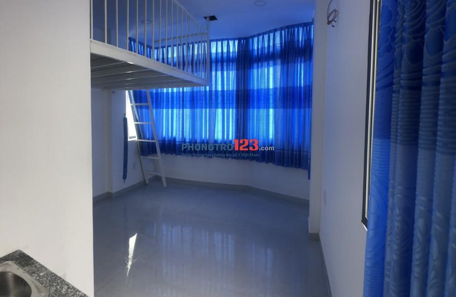 Phòng có view đẹp + gác( thang máy) mới xây