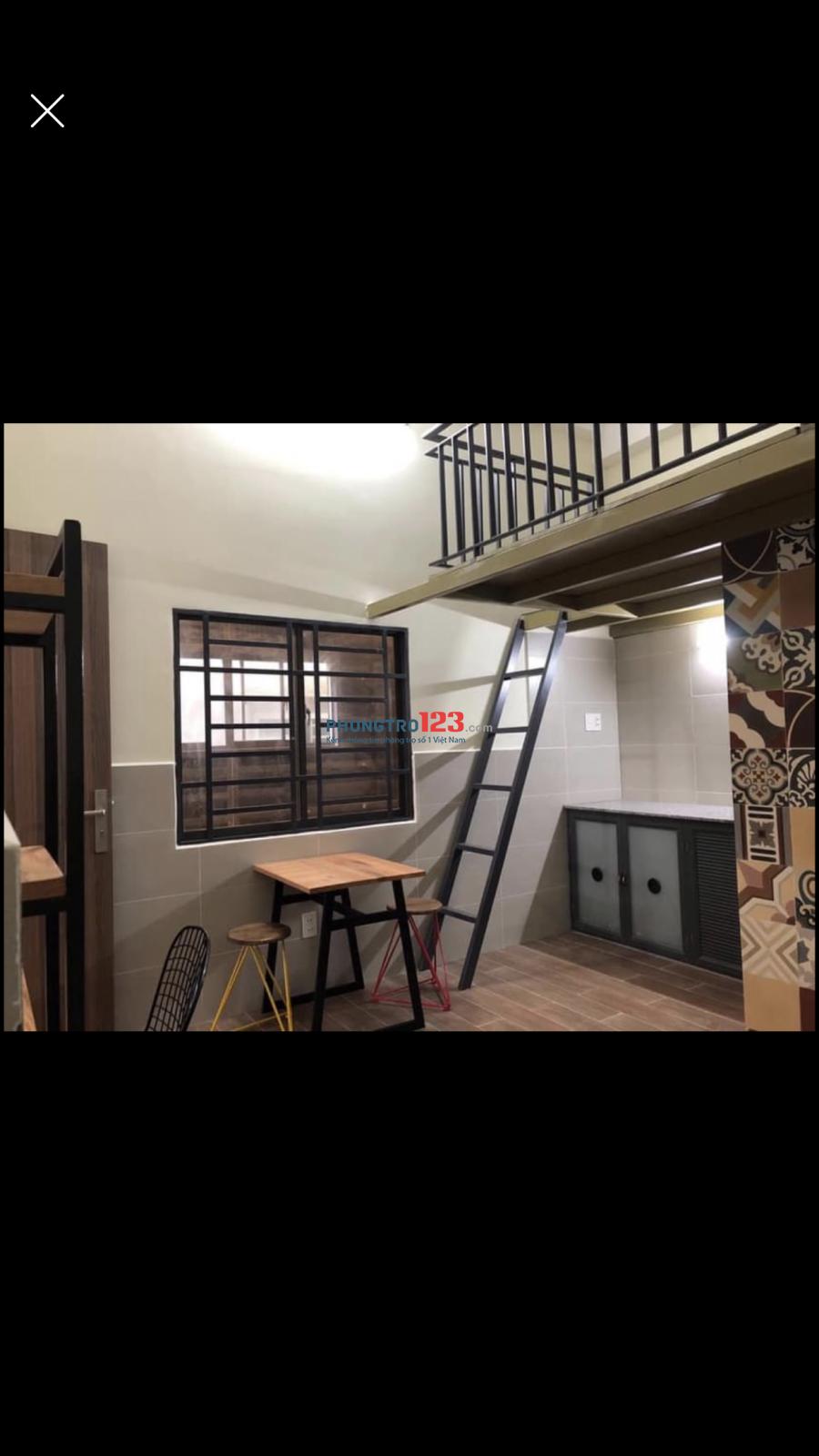 Phòng trọ đầy đủ nội thất có máy lạnh gần khu CNC Q9