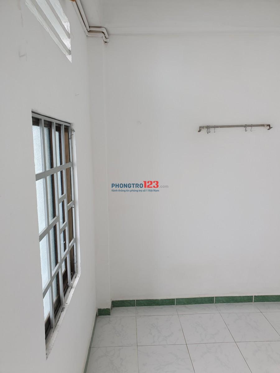 Phòng trọ gần sân bay quận Tân Bình.