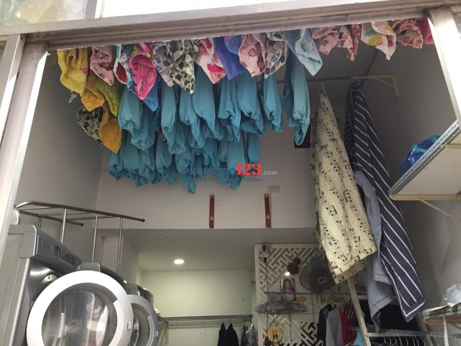 Chính chủ cần sang nhượng tiệm giặt ủi ngay mặt tiền chợ Tân Mỹ Q7